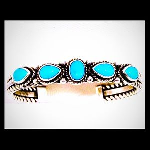 Vintage Navajo Turquoise Sterling Silver Row Cuff
